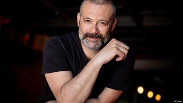 Der Schauspieler Levent Üzümcü; Foto privat