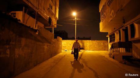 Taysir Sharif Abu Hader aus Qalqiliya auf dem Weg nach Israel; Foto: Reuters