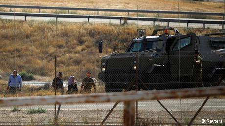 Kontrollen der ARmee am Checkpoint in der Nähe von Beersheba; Foto: Reuters