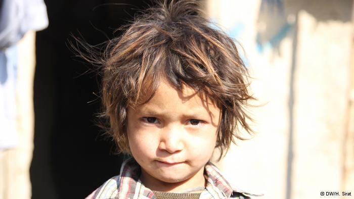 Afghanisches Flüchtlingskind; Foto: DW/H. Sirat