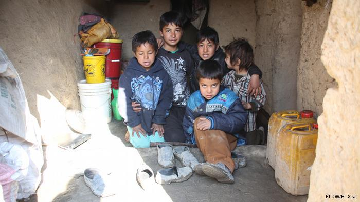 Afghanische Flüchtlingskinder; Foto: DW/H. Sirat