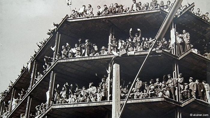 Jubelfeier nach dem Sturz des Schahs in Teheran; Foto: © akairan.com