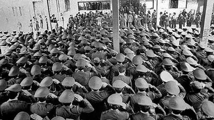 Eliteeinheit der iranischen Luftwaffe grüßt Ayatollah Khomeini in Teheran; Foto: © Mehr