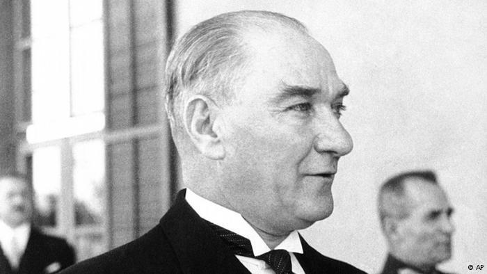 """Mustafa Kemal Atatürk, """"Vater der Türken""""; Foto: AP"""