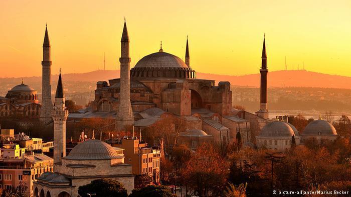 Hagia Sophia im Sonnenuntergang; Foto: dpa