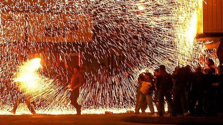 "Feuerritual an ""Chaharshanbehsuri""; Foto: ISNA"