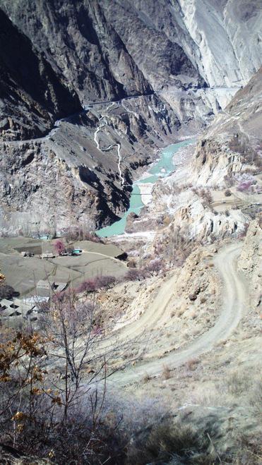 Der Indus im Hunza-Tal, Gilgit-Baltistan, Pakistan. Foto: Julis Koch