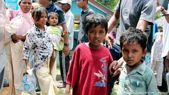 Flüchtlinge der muslimischen Minderheit der Rohingya. Foto: picture-alliance/ AP Photo/ S. Yulinnas