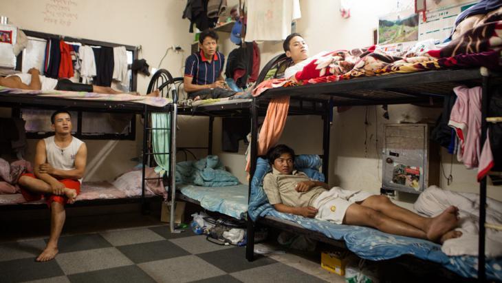 Nepalesische Gastarbeiter in einer Unterkunft in Doha. Foto: Sam Tarling