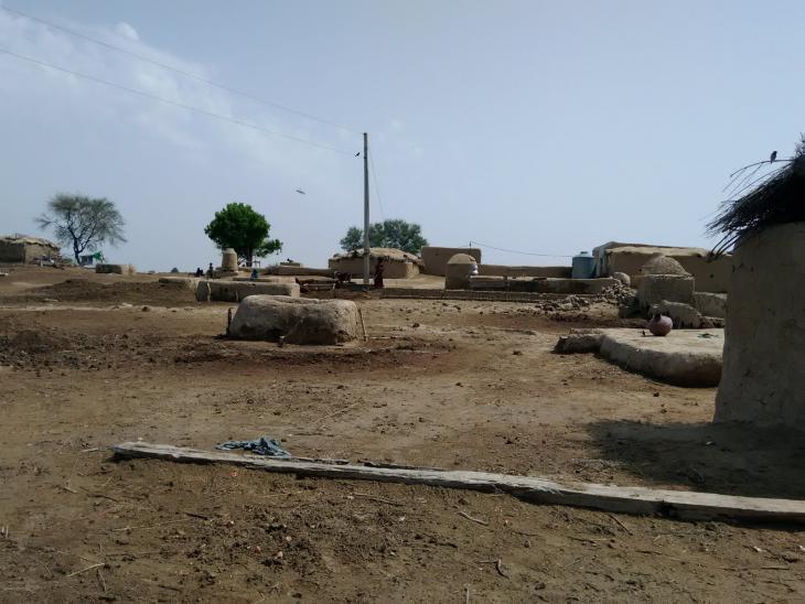 Lehmhäuser in der Wüste Cholistans. Foto: Usman Mahar