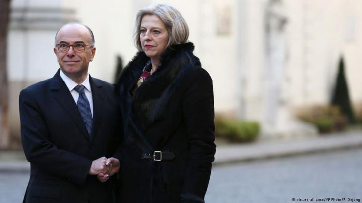 Bernard Cazeneuve und Theresa May. Foto: picture-alliance/ AP photo/ P. Dejong