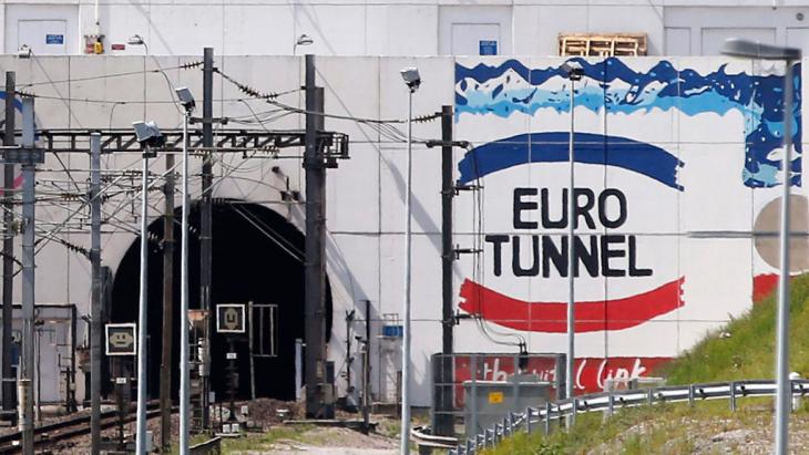 Eingang zum Eurotunnel Coquelles, Calais. Foto: picture-alliance/ dpa/ Y. Valat