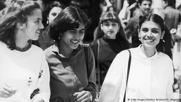 Studentinnen an der Polytechnischen Universität in Kabul; Foto: Getty Images/ Hulton Archive/ Zh. Angelov