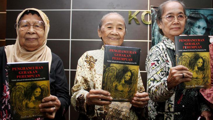 Indonesische Frauen erinnern an den Massenmord 1965; Foto: ANN