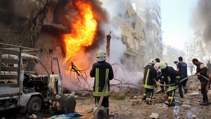 Luftangriff auf ein Krankenhaus in Aleppo; Foto: picture-alliance/AA/E. Leys