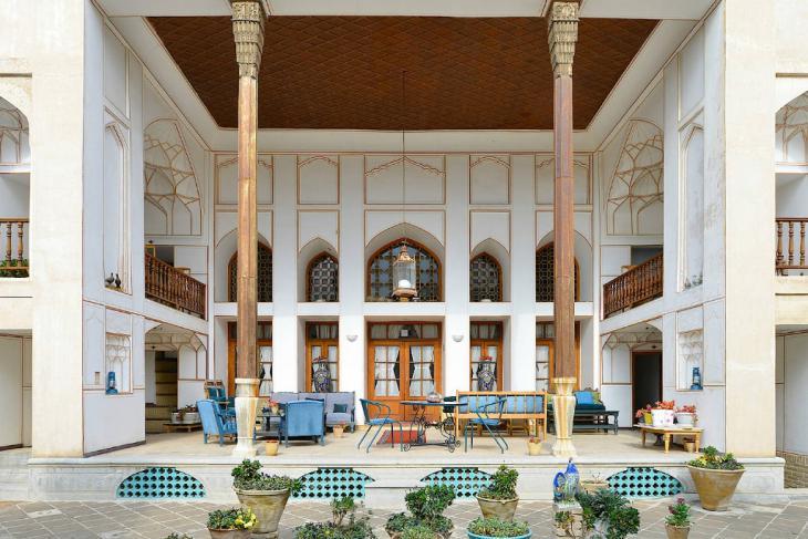 Innenhof des 1650 gebauten und kürzlich renovierten Bekhradi-Hauses in Kaschan; Foto: Hamed Farhangi