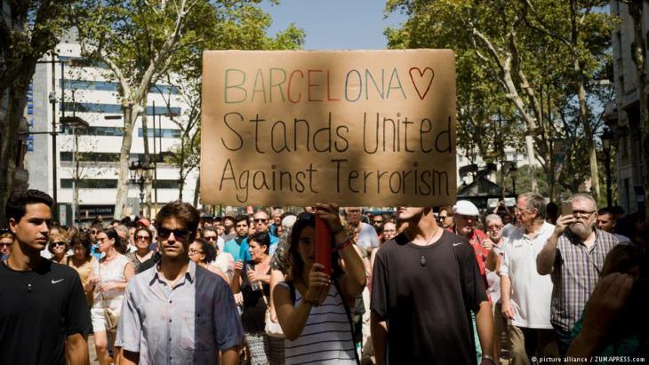 Die Menschen in Barcelona wollen dem Terror trotzen.