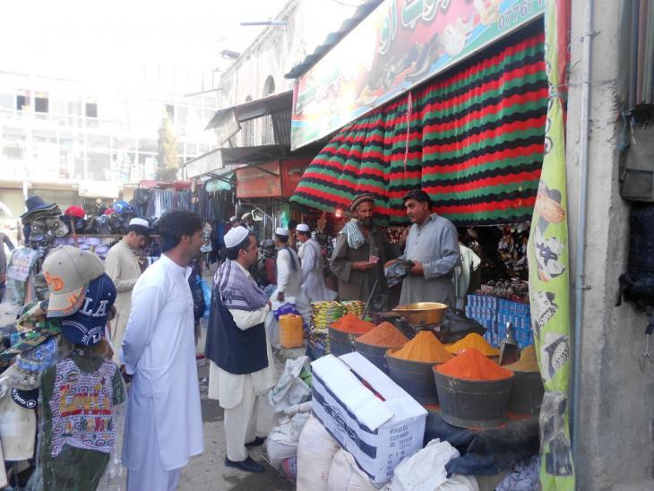 Straßenhändler in Khost; Foto: Emran Feroz