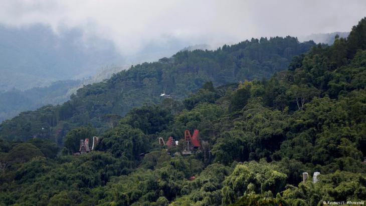 Blick auf die Gräberlandschaft von Toraja, Foto: Darren Whiteside/Reuters