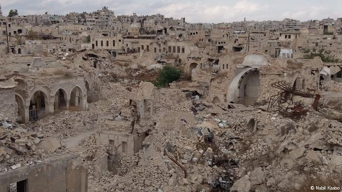 Der Ibshir-Mustafa-Pasha-Gebäudekomplex (links) und das Bahramiyya-Hammam (rechts) in Aleppo. Foto: Nabil Kasbo