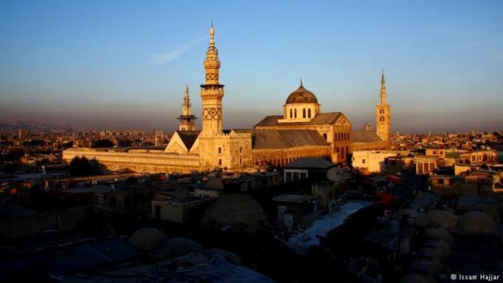 Die Umayyaden-Moschee von Damaskus. Foto: Issam Hajjar Eine der ältesten Moscheen der Welt: Die Umayyaden-Moschee von Damaskus zählt zu den ältesten Moscheen weltweit. Erbaut wurde sie zu Beginn des 8. Jahrhunderts. Die Moschee liegt in der historischen Altstadt, die seit 1979 als Ganzes zum UNESCO-Welterbe gehört. Diese Aufnahme stammt aus dem Jahr 2007.