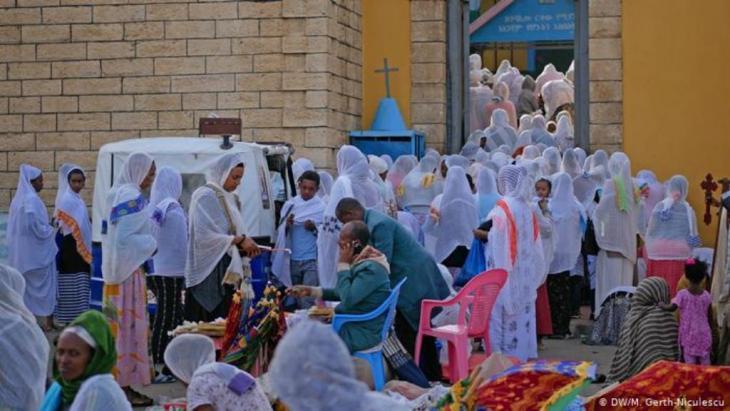 Äthiopisch-Orthodoxe Christen in Harar (DW/M. Gerth-Niculescu)