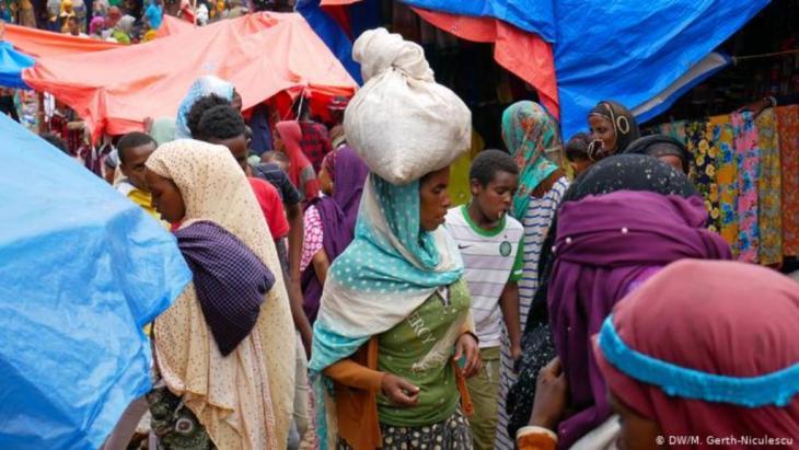 Frauen auf dem Markt in Harar, Äthiopien (DW/M. Gerth-Niculescu)