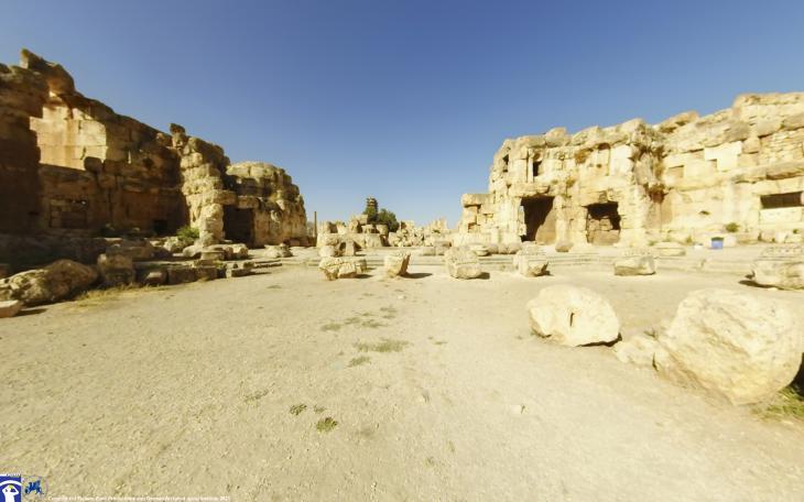 Hexagonalhof, Tempel des Jupiter, Baalbek, Libanon. Foto: Flyover Zone; © Flyover Zone und Deutsches Archäologisches Institut.