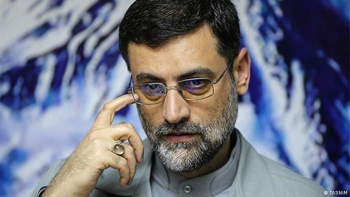 Amir-Hossein Ghasisadeh Haschemi ist seit 2008 Mitglied des iranischen Parlaments. Der 50-jährige konservative Politiker sieht sich als Vertreter der jüngeren Generation und versucht mit populären Wahlversprechen wie der Abschaffung der Wehrpflicht zu punkten. Wegen geringer Chancen wird er möglicherweise seine Kandidatur zurückziehen und Ibrahim Raisi unterstützen.