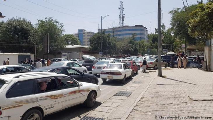Massenflucht aus Kabul. (Foto: Khodaiberdi Sadat/AA/Getty Images)