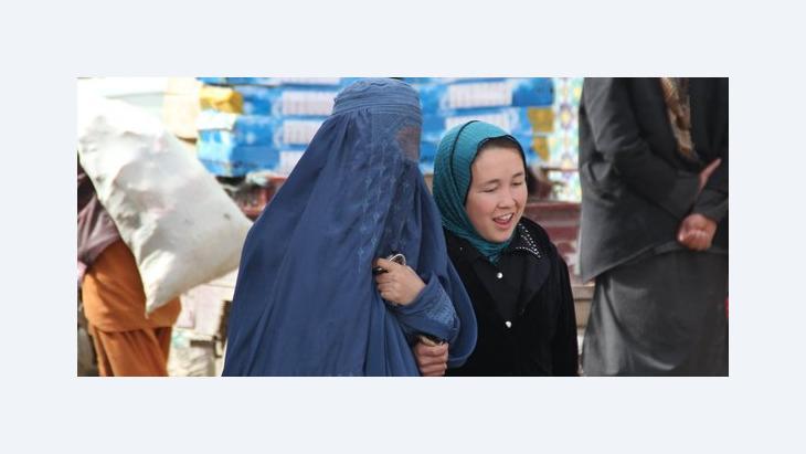 Burka und Kopftuch werden von Afghaninnen gleichermaßen getragen; Foto: Marian Brehmer