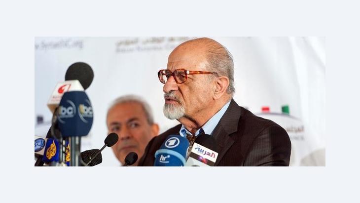 Haitham Al-Maleh gemeinsam mit Burhan Ghalioun, der Vorsitzende des im Exil gebildeten Nationalrats der syrischen Opposition (h.); Foto: Nicolas Fauque/ABACAPRESS.COM