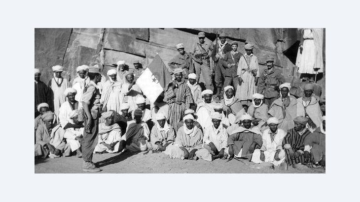 Uniformierte Soldaten der Algerischen Nationalen Befreiungsarmee (ALN) im Jahr 1960; Foto: dpa