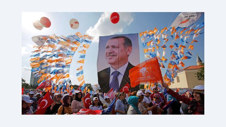 Anhänger Erdogans in Istanbul; Foto: Reuters