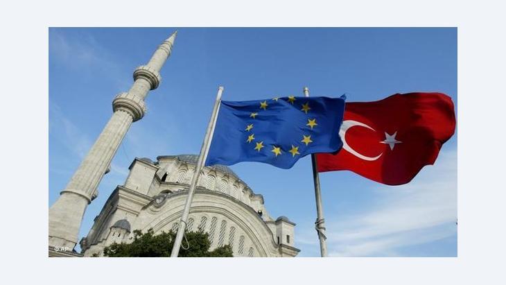 Symbolbild EU und Türkei; Foto: AP