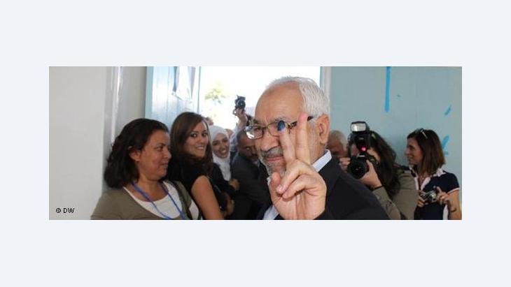 Ennahdha-Parteivorsitzender Ghannouchi nach der Stimmabgabe in Tunesien; Foto: DW