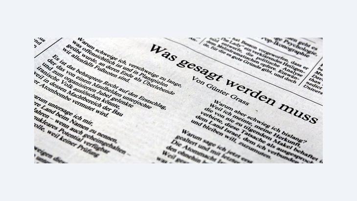 Gedicht des Schrifstellers Günter Grass mit dem Titel Was gesagt werden muss auf der Feuillton-Seite der Süddeutschen Zeitung; Foto: dpa