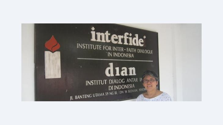 Elga Joan Sarapung, amtierende Direktorin vom Institut DIAN/Interfidei; Foto: Anett Keller