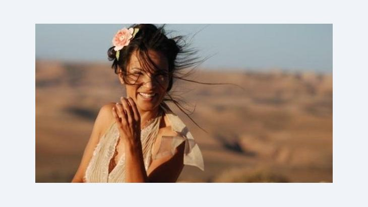 "Die marokkanische Fusion-Sängerin Oum El Ghaith Benessahraoui, alias ""Oum"", Foto. &copy lofmusic"