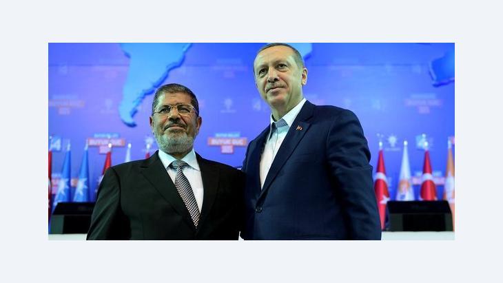 Der türkische Premier Tayyip Erdogan (r.) und der ägyptische Präsident Mohammed Mursi; Foto: Reuters