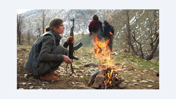 PKK-Kämpferin auf dem Qandil-Berg im Nordirak; Foto: AP