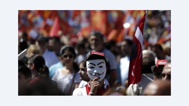 Proteste gegen Ministerpräsident Erdogan auf dem Taksim-Platz in Istanbul; Foto: Reuters