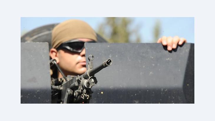 Türkischer Soldat im Grenzort Akcakale; Foto: Bulent Kilic/AFP/GettyImages