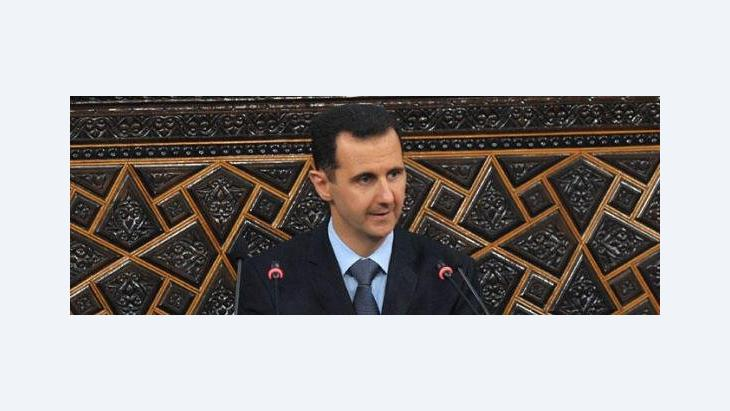 Baschar al-Assad während seiner Rede vor dem Parlament am 30. März; Foto: picture alliance/landov