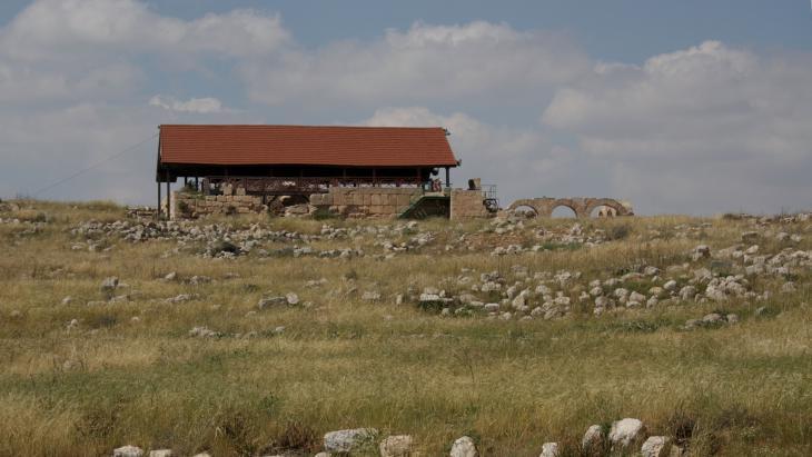 Blick auf die alte Synagoge Susiyas, die heute eine Moschee ist.