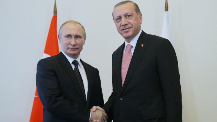 Zum ersten Mal verließ das NATO-Mitglied Türkei den westatlantisch-amerikanischen Rahmen.