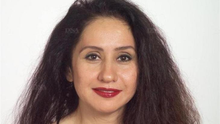 Raja Alem, geboren 1970 in Mekka, studierte Englische Literatur in Dschidda, Saudi-Arabien, und hat Romane, Theaterstücke sowie Kurzgeschichten publiziert. Sie hat für ihr Werk zahlreiche Preise erhalten, darunter den renommierten International Prize for Arabic Fiction (Arabic Booker) für den Roman Das Halsband der Tauben. 2014 wurde sie mit dem LiBeraturpreis ausgezeichnet. Raja Alem lebt in Dschidda und Paris.