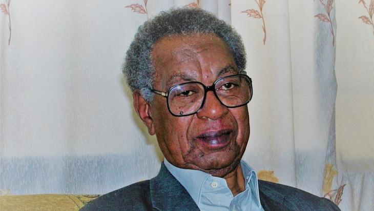 Tayeb Salih (1929 - 2009) #zählt zu den größten sudanesischen Autoren des zwanzigsten Jahrhunderts (Foto: Getty Images/AFP/Ashraf Shazly