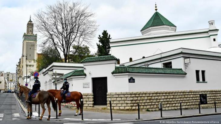 In Frankreich setzt der Staat in Zukunft auf Imame aus dem eigenen Land.
