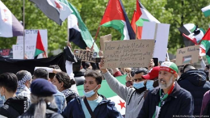 Demonstrationen Nahost Berlin; Foto: Dirk Knofeld/dpa/picture-alliance